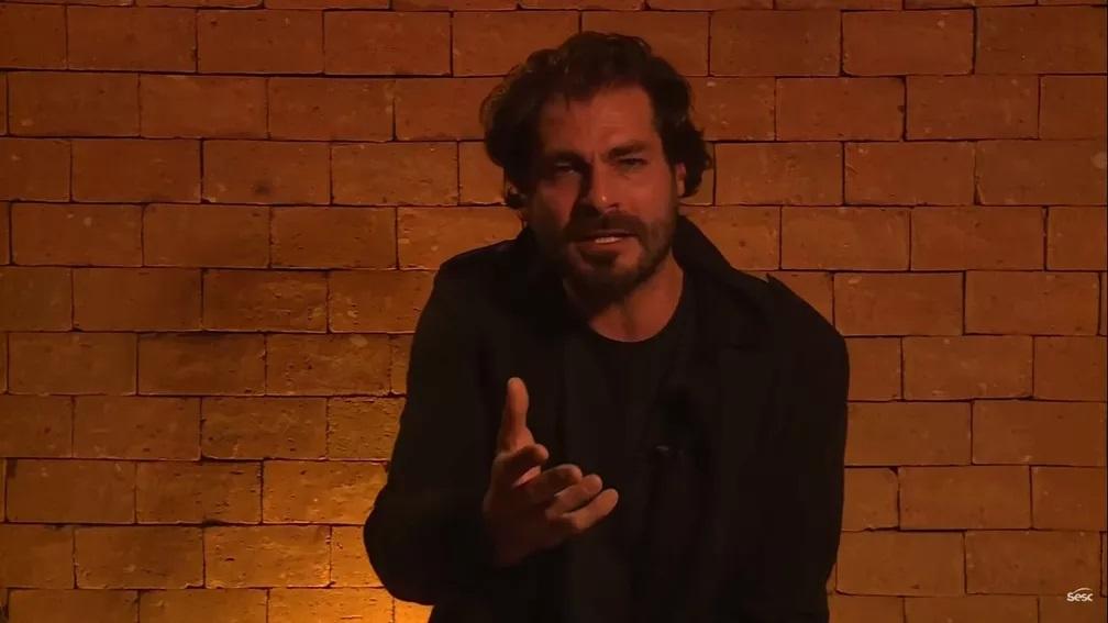 Thiago Lacerda Comenta Experiencia De Fazer Teatro On Line Foi Muito Estranho E Diferente Capital 95